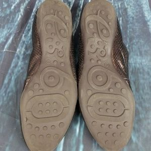 Easy Spirit Shoes - Easy Spirit 360 Bronze Leather Loafers Size 9.5